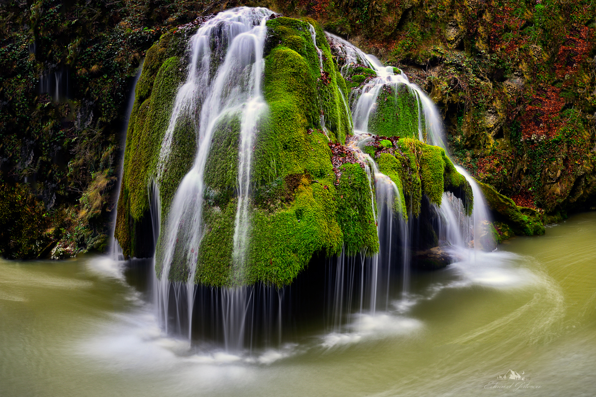 The small Bigar Waterfall was rapidly shifted from its off the beaten track isolation in 2013 when The World Geography placed it in the first position of its 8 Unique Waterfalls Around the World guide. From that moment on, this moss-covered falls became the most famous attraction from Caras-Severin, one of the most beautiful counties in Romania.