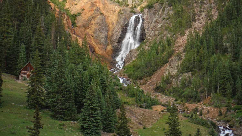 Cinnamon Creek Falls
