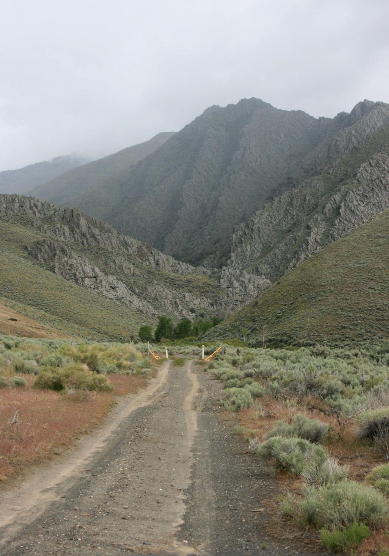 Falls Canyon, approaching the trailhead.
