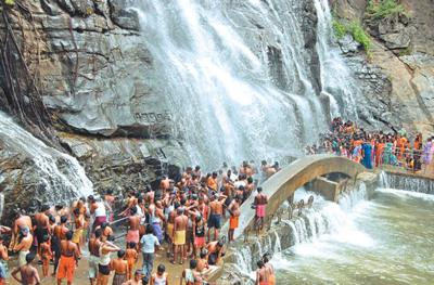 Main Waterfalls, Courtallam